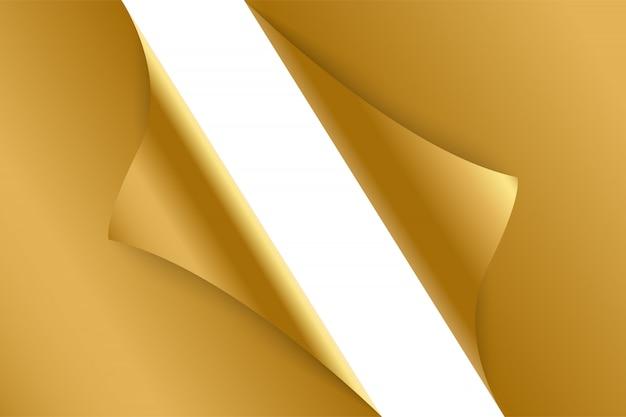 Foglio di carta arricciata sfondo oro.
