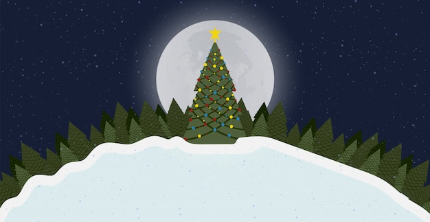 Fondo della carta di buon natale con l'albero e la neve alla foresta di notte con la luna 2020.