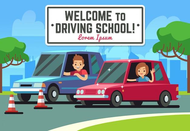 Fondo della scuola guida con il giovane autista felice in automobili sulla strada