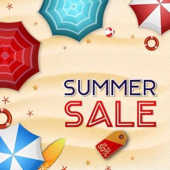 Fondo di vendita di estate con la vista della spiaggia di estate da sopra
