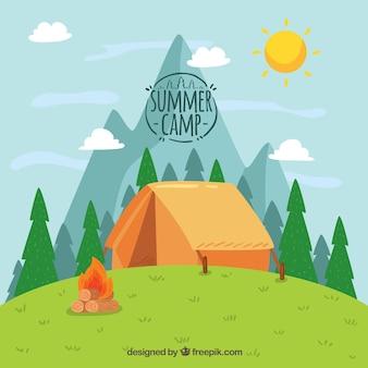 Fondo disegnato a mano del campo estivo con la tenda sulla collina