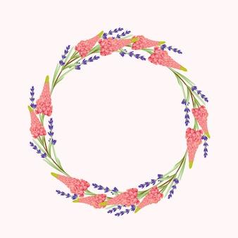 Fondo floreale della corona con il fiore del lupino e della lavanda