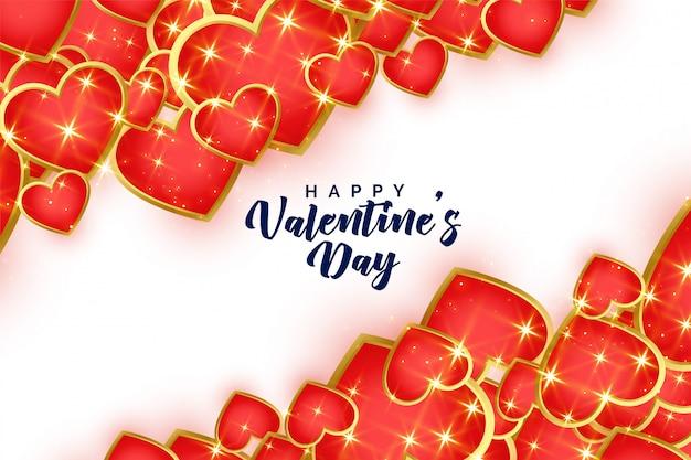 Fondo rosso e dorato brillante dei cuori di san valentino