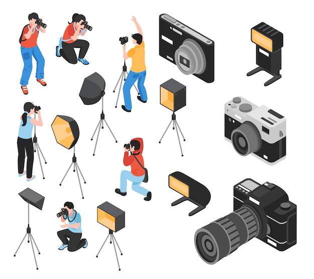 Fotografo professionista e attrezzature di lavoro tra cui macchine fotografiche, treppiede, impianti di illuminazione isometrici