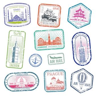Francobolli di viaggio d'epoca con i principali monumenti e monumenti insieme vettoriale. raccolta di grunge timbro per posta aerea e illustrazione di viaggio