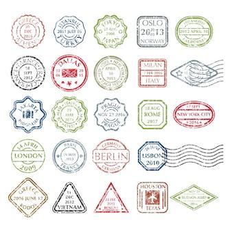 Francobolli postali grungy colorati impostati in diverse forme da 24 città nel mondo