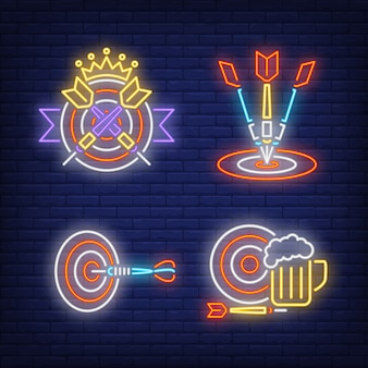 Freccette che colpiscono obiettivi, insegne al neon corona e boccale di birra set