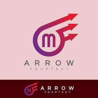 Freccia iniziale lettera m logo design