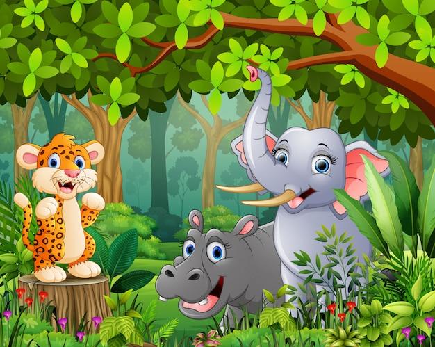Fumetto della foresta del paesaggio di verde con l'animale selvatico