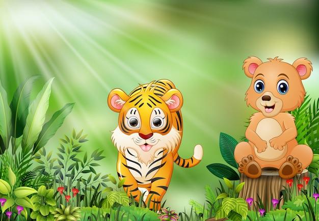 Fumetto della scena della natura con un orso che si siede sul ceppo e sulla tigre di albero