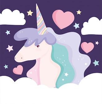 Fumetto sveglio magico di fantasia delle nuvole dei cuori di amore dell'unicorno