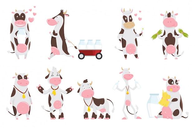 Fumetto sveglio sveglio della raccolta della mucca con la bottiglia per il latte. mucca che mangia erba, personaggio dei cartoni animati divertente dell'animale da allevamento.