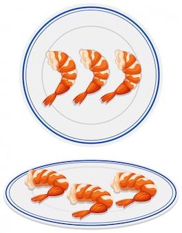 Gamberetti sul piatto bianco