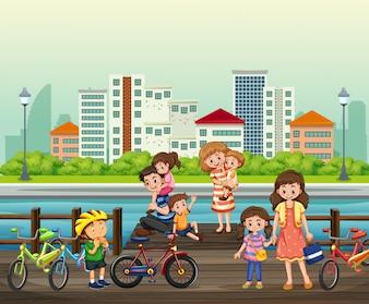 Genitore e figli al parco