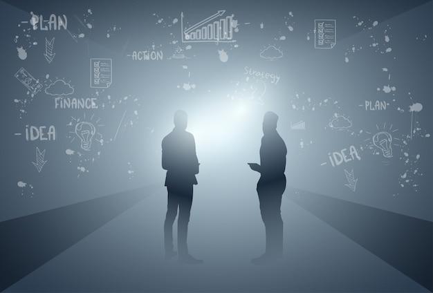 Gente di affari del gruppo silhouette team brainstorming process
