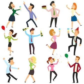 Gente di affari divertente che balla ad una festa in ufficio.