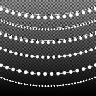 Ghirlanda splendente con lampadina su sfondo trasparente. sfondo di natale, inverno e capodanno. illustrazione realistica per il tuo