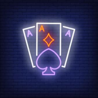 Giocare a carte asso insegna al neon