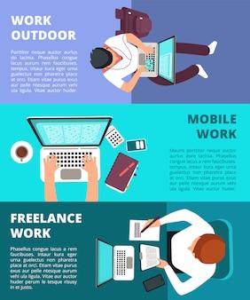 Giornalista free lance che lavora al computer portatile. insieme del modello dell'insegna di lavoro domestico, di scrittura di affari e dell'insegna indipendente