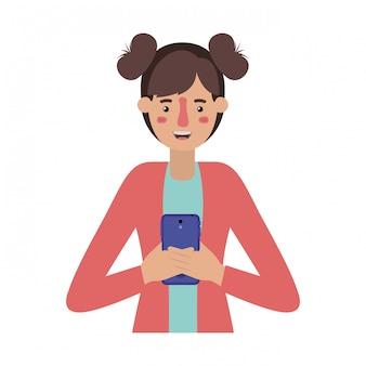 Giovane donna con lo smartphone