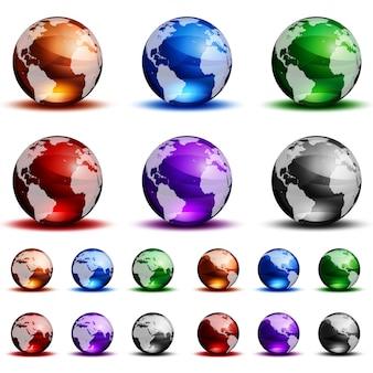 Globi di vetro colorati su sfondo bianco.