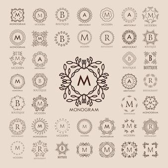 Grande mazzo di monogrammi di lusso