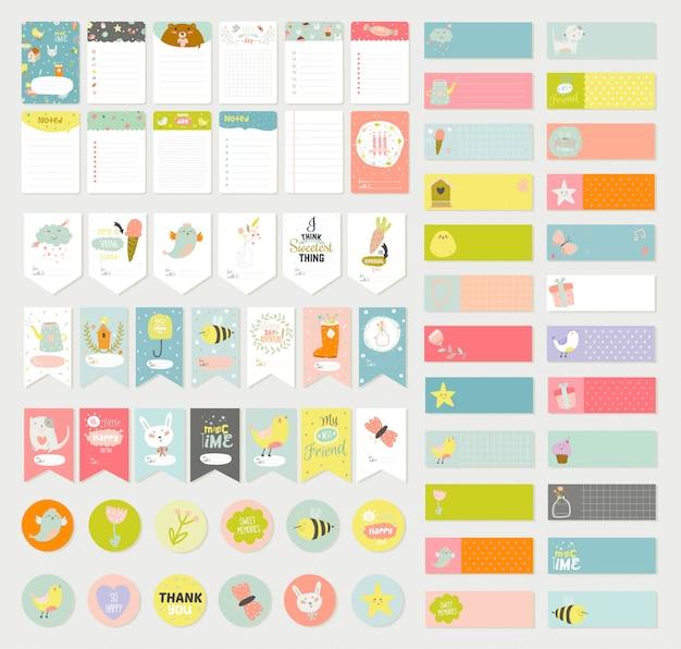 Grande set di carte vettoriale romantico e carino, note, adesivi, etichette, etichette con illustrazioni e desideri di primavera.
