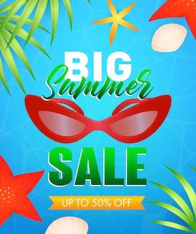 Grande vendita di estate lettering con occhiali da sole, stelle marine