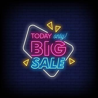 Grande vendita di insegne al neon in stile testo