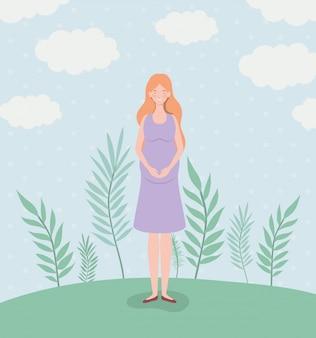Gravidanza carina donna nel paesaggio