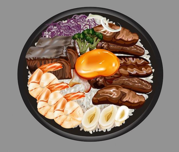 Grigliata di pesce e carne, uovo, gamberi, calamari su riso cotto