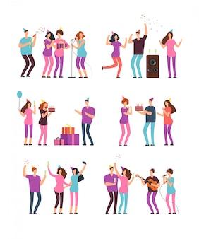 Gruppi di persone alla festa di compleanno in famiglia con petardo, torta e palloncini. caratteri minimi del fumetto di vettore isolati