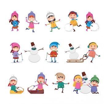 Gruppi di simpatici cartoni animati per bambini che giocano in inverno