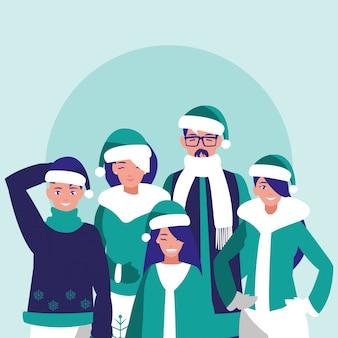 Gruppo di famiglia con vestiti di natale