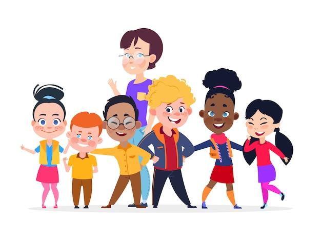 Gruppo di studenti internazionali felici con l'insegnante