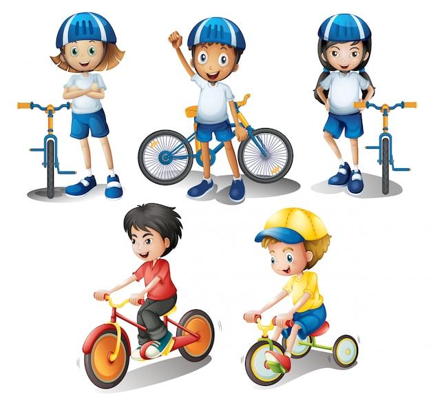I bambini con le loro biciclette
