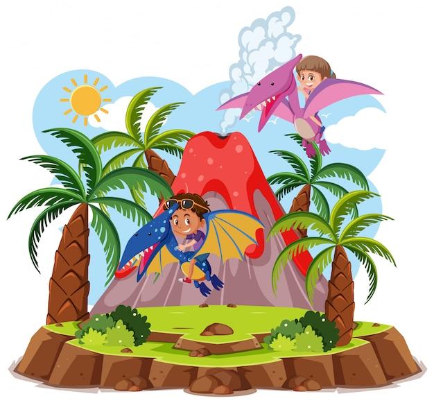 I bambini guidano il dinosauro sveglio con l'eruzione del vulcano isolata su fondo bianco