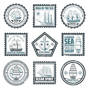 I bolli d'annata delle navi e delle navi hanno messo con la bussola di navigazione e l'ancora delle barche delle iscrizioni isolate