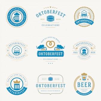 I distintivi e le etichette dell'oktoberfest hanno fissato i modelli tipografici d'annata