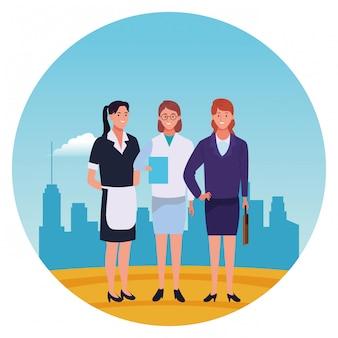 Icona rotonda sorridente dei cartoni animati dei caratteri dei lavoratori dei professionisti