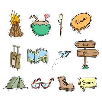 Icone di viaggio o raccolta di elementi con stile disegnato a mano