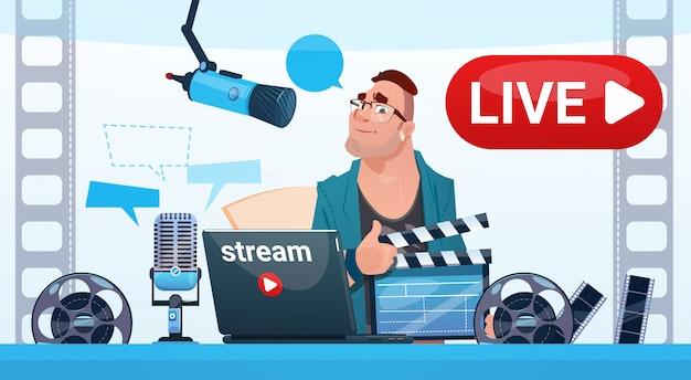Il blogging online del flusso di video blogger dell'uomo sottoscrive il concetto