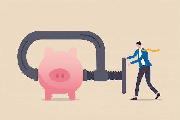 Il business o la società hanno tagliato il budget o schiacciato e ridotto la spesa a causa di crisi economica o di affari nel concetto di recessione del coronavirus covid-19, uomo d'affari usando il morsetto per spremere salvadanaio rosa salvadanaio