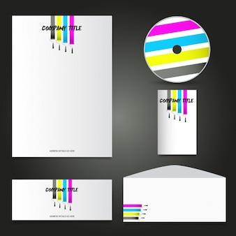 Il layout della cancelleria di affari con rulli di vernice disegno
