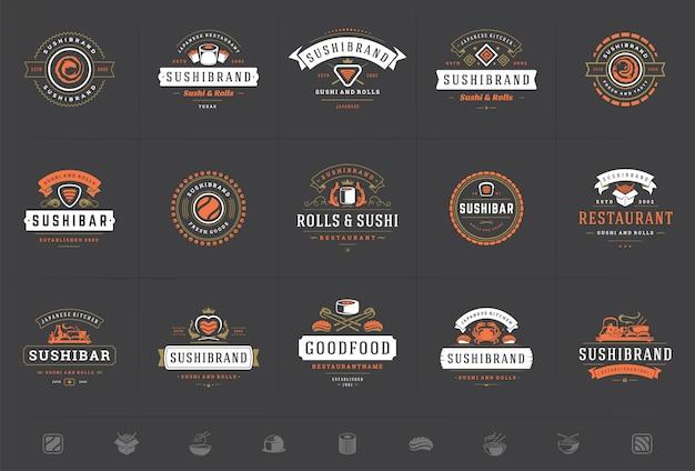 Il logos e i distintivi del ristorante di sushi hanno messo l'alimento giapponese con l'illustrazione di vettore dei rotoli del salmone dei sushi