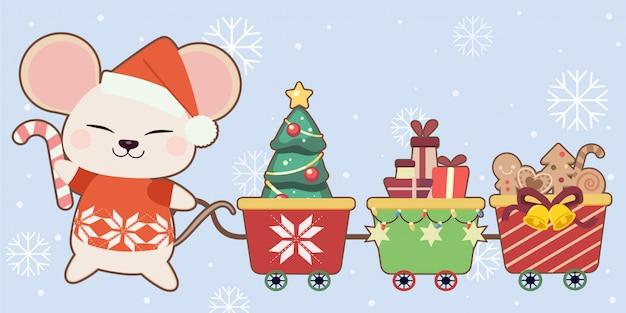 Il personaggio del simpatico topo con trenino di natale giocattolo sull'azzurro e fiocco di neve. il topo carino indossa un cappello invernale e tiene in mano una caramella. il personaggio del simpatico topo in stile piatto.