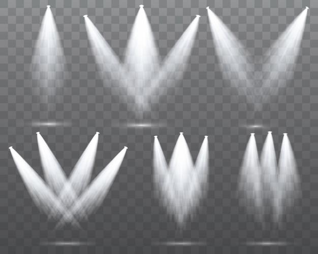 Il riflettore bianco brilla sul palco, scena.
