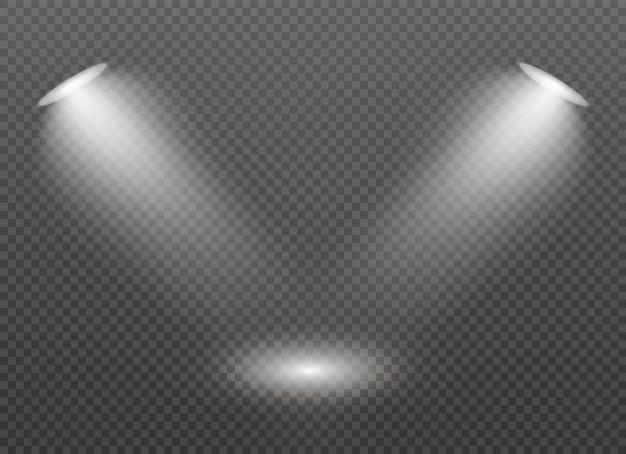 Il riflettore brilla sul palco. luce effetto luce flash uso esclusivo dell'obiettivo. luce da una lampada o un riflettore. scena illuminata. podio sotto i riflettori.