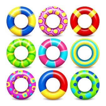 Il vettore di gomma variopinto di anelli suona l'insieme per il galleggiamento dell'acqua. raccolta di salvagenti per il cerchio di nuoto per c
