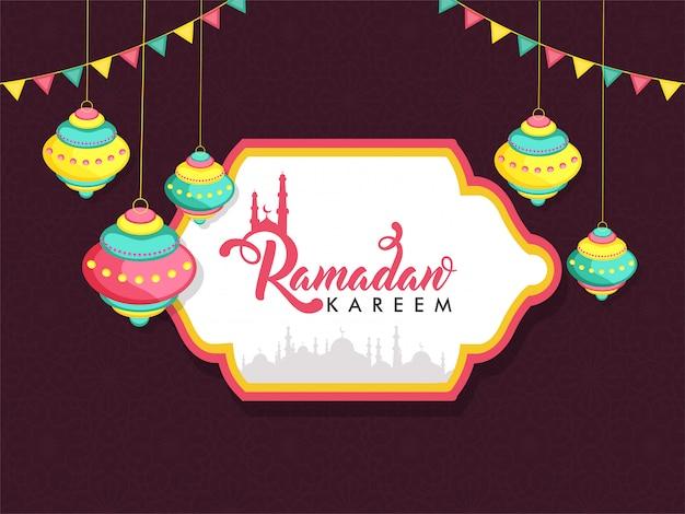 Illustrazione di ramadan kareem con appendere lanterne colorate e silhouette moschea.